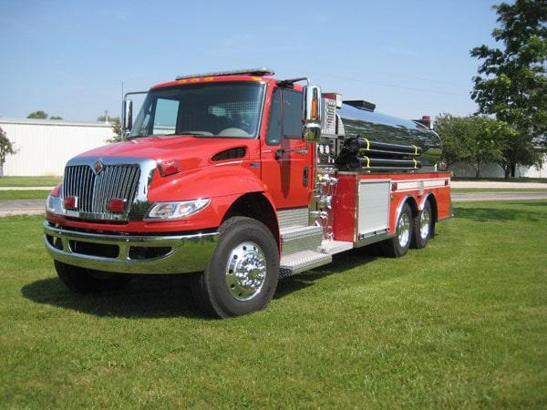 dominator fire tanker truck fire apparatus