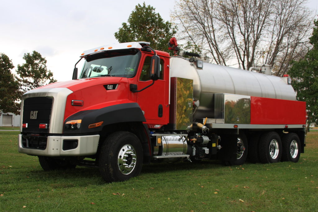 Fusion Vacuum Tanker, Red and Stainless steel vacuum tank