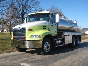 Commander Tank Truck with Yellow Cab